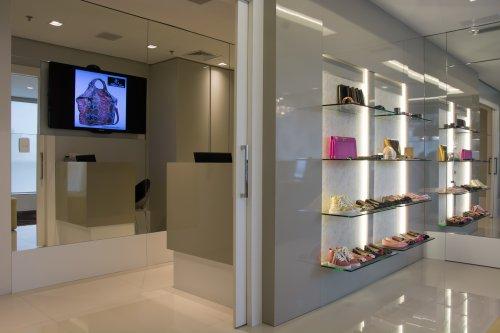 Alline Gon Showroom-8